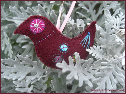 felt ornament bird by Petra Haemmerleinova